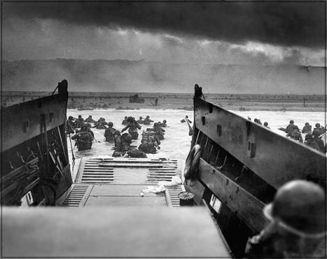 Omaha_beach_June_6_1944